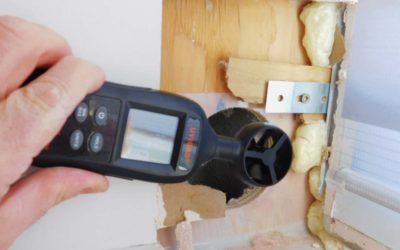 Éliminer les ponts thermiques de fenêtres dans un mur creux
